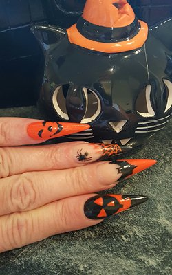 halloween nails 2